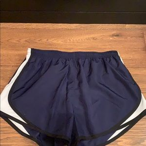 women's running shorts size medium